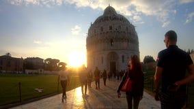El caminar en Pisa almacen de video