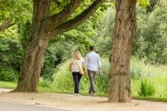 El caminar en el Vondelpark Foto de archivo libre de regalías