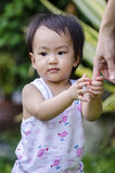 El caminar feliz del bebé Fotografía de archivo libre de regalías