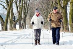El caminar nórdico foto de archivo