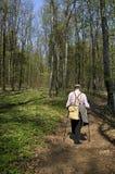 El caminar nórdico mayor Foto de archivo