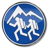 El caminar y caminantes de la montaña Fotografía de archivo
