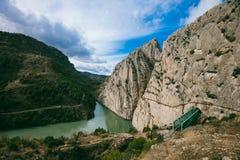 El Caminito台尔Rey Rocks,马拉加 免版税库存照片