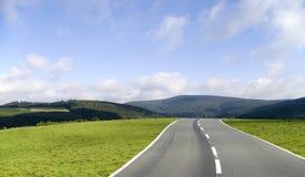 El camino a continuación Imagenes de archivo