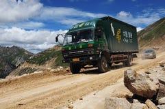 El camino de enrollamiento encima del ¼ Tíbet del mountainï Fotografía de archivo