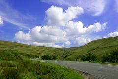 El camino de la montaña foto de archivo