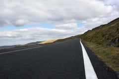 El camino de la montaña fotografía de archivo libre de regalías