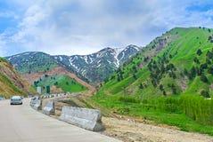 El camino de la montaña imagen de archivo