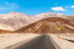 El camino en Death Valley Foto de archivo libre de regalías