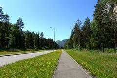 El camino en el turista y el ` recreativo de Katun de la turquesa del ` de la zona fotografía de archivo libre de regalías