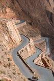 El camino hermoso en Dades Gorges, las montañas de atlas, Marruecos Foto de archivo
