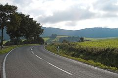 El camino a las colinas fotografía de archivo