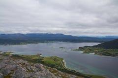 El camino a lo largo del fiordo Fotografía de archivo libre de regalías