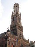 El campanario de una iglesia de Brujas, o de Belfort en Bélgica Fotografía de archivo libre de regalías