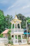 El campanario en el templo antiguo Foto de archivo