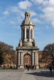 El campanil en la universidad de la trinidad en Dublín, Irlanda, 2015 Imagen de archivo libre de regalías