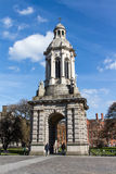 El campanil en la universidad de la trinidad en Dublín, Irlanda, 2015 Imagenes de archivo