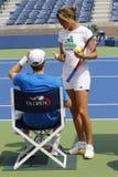 El campeón Andy Murray del Grand Slam practica con su coche Amelie Mauresmo para el US Open 2014 Fotos de archivo