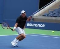 El campeón Lleyton Hewitt del Grand Slam de dos veces practica para el US Open 2013 Fotografía de archivo