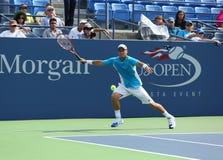 El campeón Lleyton Hewitt del Grand Slam de dos veces practica para el US Open 2013 en Arturo Ashe Stadium Imágenes de archivo libres de regalías