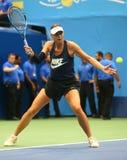 El campeón Maria Sharapova del Grand Slam de cinco veces de la Federación Rusa practica para el US Open 2017 fotografía de archivo