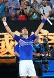el campeón Novak Djokovic de Grand Slam de 14 veces de Serbia celebra la victoria después de su partido de semifinal en Abierto d fotografía de archivo libre de regalías