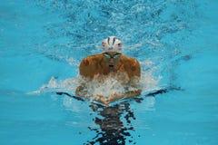 El campeón olímpico Michael Phelps de Estados Unidos compite en el relevo del individuo de los 200m de los hombres de la Río 2016 imágenes de archivo libres de regalías