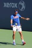 El campeón Roger Federer del Grand Slam de diecisiete veces practica para el US Open 2014 Imagen de archivo