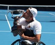 El campe?n Dylan Alcott de Grand Slam de Australia durante la silla de ruedas del patio de Abierto de Australia de la presentaci? imagen de archivo