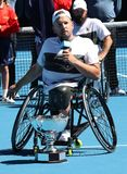 El campe?n Dylan Alcott de Grand Slam de Australia durante la silla de ruedas del patio de Abierto de Australia de la presentaci? fotografía de archivo