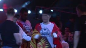 el campeonato en luchas sin las reglas M-1, en la ciudad de Orenburg 26 de mayo almacen de metraje de vídeo