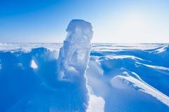 El campo Barneo en los copos de nieve del modelo del cubo de la nieve del llano de la nieve del Polo Norte alinea Imagenes de archivo
