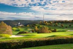 El campo de golf en Karlstejn Imagen de archivo libre de regalías