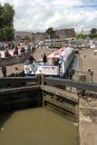 El canal barge adentro la cerradura Fotografía de archivo
