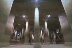 El canal de descarga subterráneo externo de la zona metropolitana fotografía de archivo
