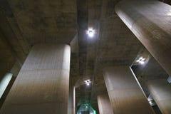 El canal de descarga subterráneo externo de la zona metropolitana fotos de archivo