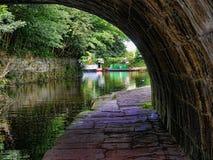 El canal de Leeds Liverpool en Burnley Lancashire Imagen de archivo libre de regalías