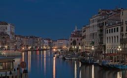 El canal magnífico en Venecia por la tarde Foto de archivo