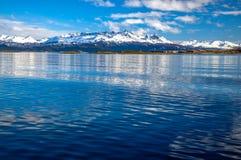 El canal y las montañas del beagle Imagen de archivo libre de regalías