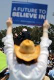 El candidato presidencial Bernie Sanders recibe a Campaig presidencial Fotos de archivo