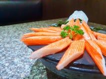 El cangrejo de Kanikama pega el sashimi en japonés imagen de archivo libre de regalías
