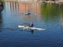 El Canoeing con un canoa en Stratford sobre Avon Imagenes de archivo