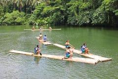 El canoeing de las muchachas Imagen de archivo libre de regalías