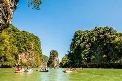 El Canoeing en Koh Hong Island Imágenes de archivo libres de regalías
