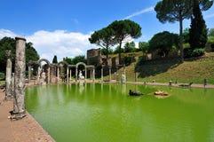 El Canopo en el chalet de Hadrian, Tivoli - Roma Foto de archivo