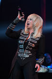 El cantante Irina Allegrova se realiza en etapa durante el 50.o concierto del cumpleaños del año de Viktor Drobysh en Barclay Cen Fotos de archivo
