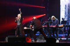 El cantante Irina Allegrova se realiza en etapa durante el 50.o concierto del cumpleaños del año de Viktor Drobysh en Barclay Cen Imagen de archivo libre de regalías