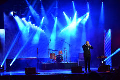 El cantante Vahtang Kalandadze de Bombox que se realiza en etapa durante la música grande de Apple concede el concierto 2016 imagenes de archivo