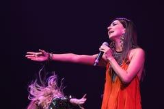 El cantante Zara se realiza en etapa durante el 50.o concierto del cumpleaños del año de Viktor Drobysh en Barclay Center Imágenes de archivo libres de regalías