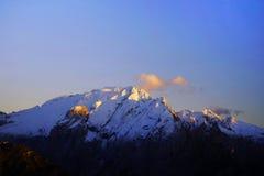 El canto de la montaña de Marmolada en otoño Foto de archivo libre de regalías